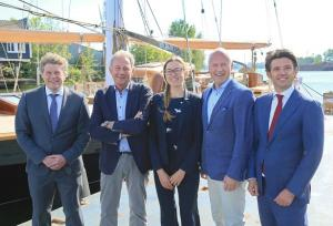 The CEO of Port of Amsterdam and the Royal Huisman at the wharf