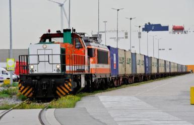 goederentrein in het havengebied